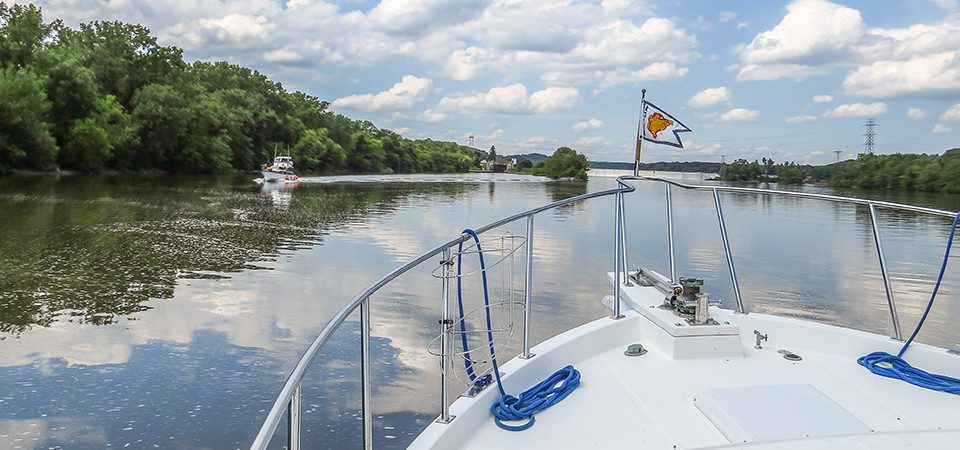 Boating along the Erie Canal, part of the Great Loop (credit: Gladys Lorraine Buzzell)