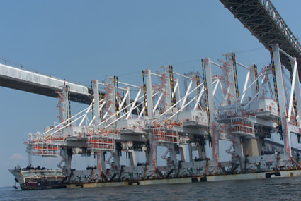 M/V Zhen Hua 13 delivered new cranes from China to the Port of Baltimore