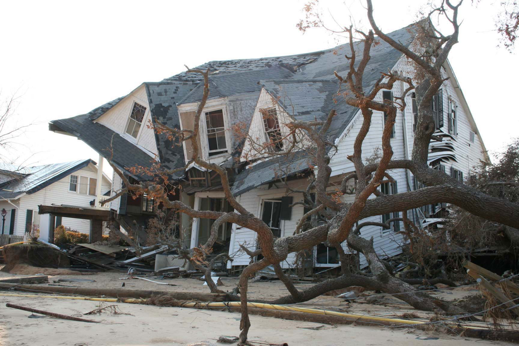 cause and effects of hurricane katrina essay You can likely name some recent hurricanes in the us that did major damage and killed many people: hurricane katrina in 2005, hurricane irene in 2011 and superstorm sandy in 2012 are just a few.