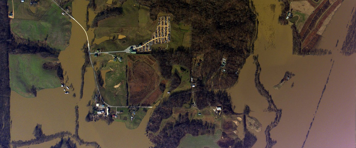 oblique images of Cape Giradeau, Missouri captured by cameras mounted in an NGS aircraft after flooding